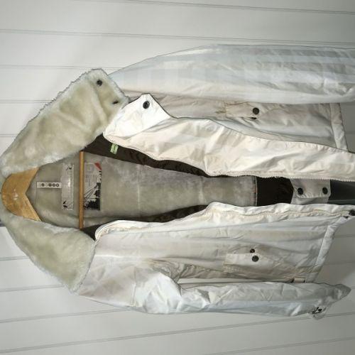 Prodám   Burton dámská bunda   Oblečení 6d784470ab